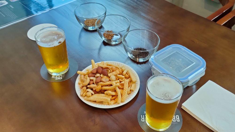 brewlander beer malt samples and snacks